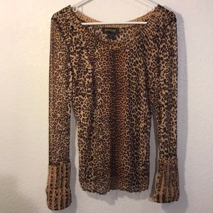 Barcelino leopard print top w/knit cuffs